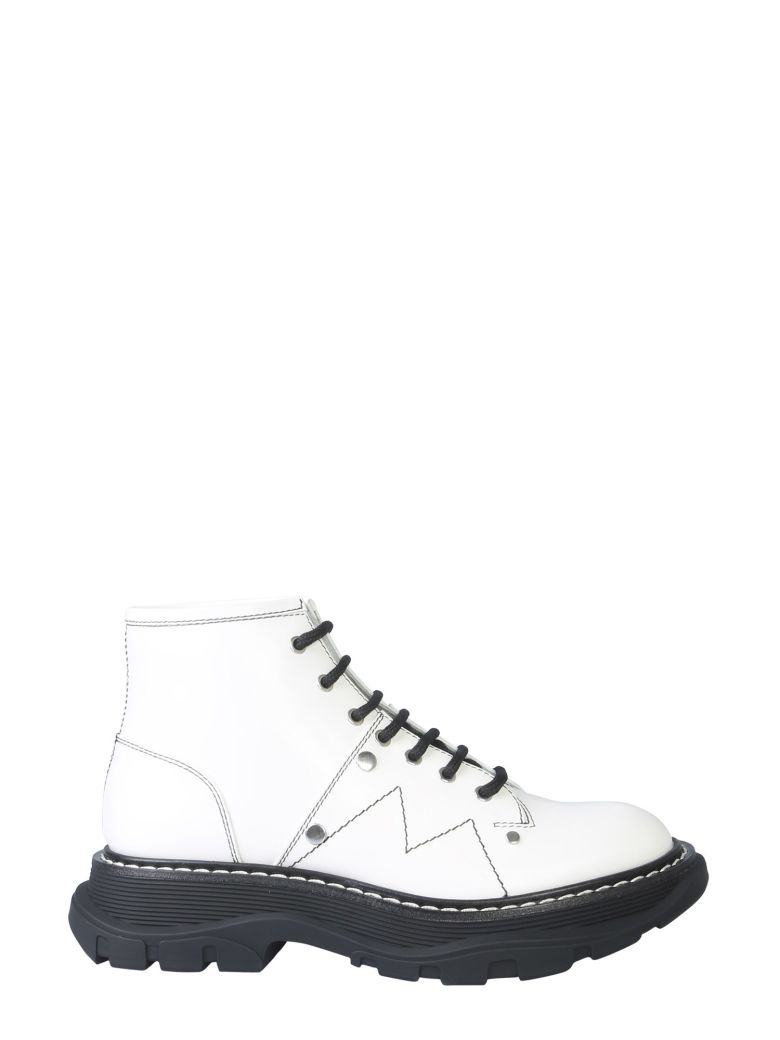 Alexander McQueen Ankle Boot With Laces And Tread Sole - BIANCO