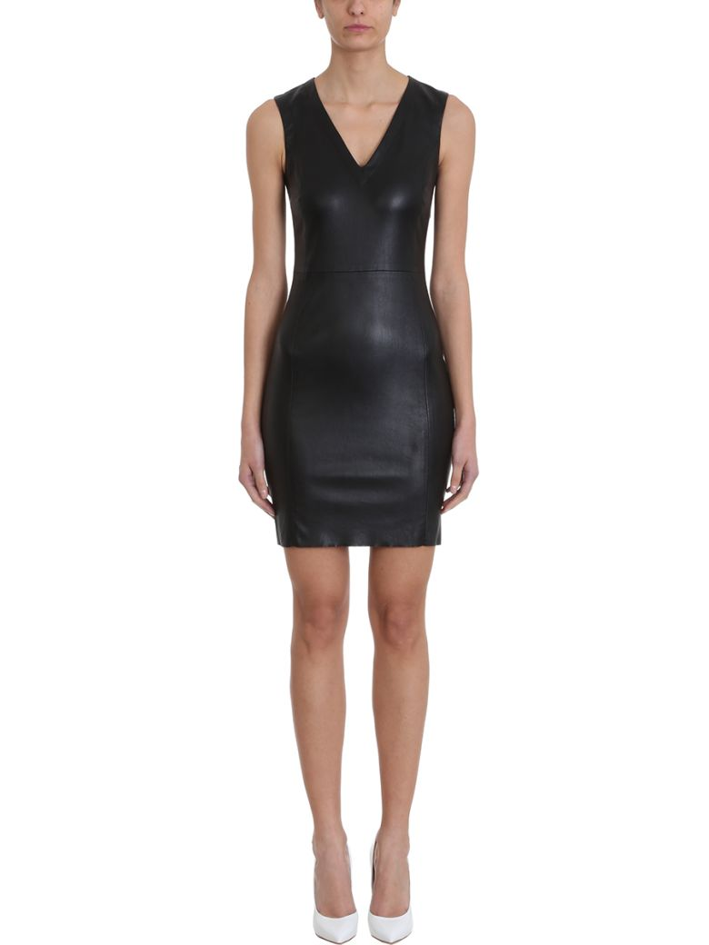 DROMe V Neck Dress - black