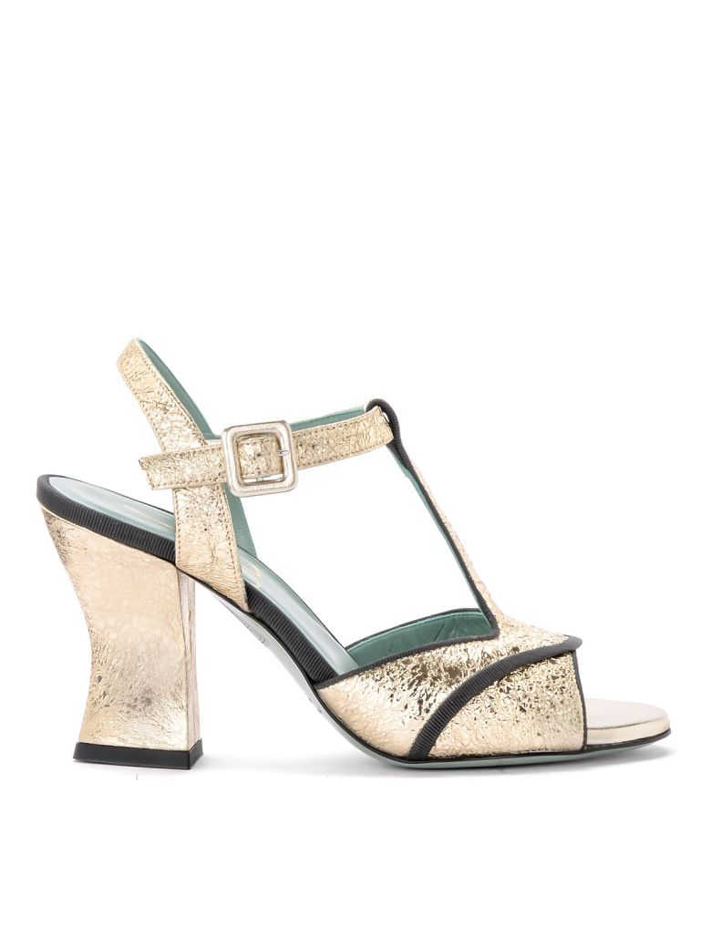 Paola D'Arcano Amalia Platinum Craqueled Leather Heeled Sandal - ORO