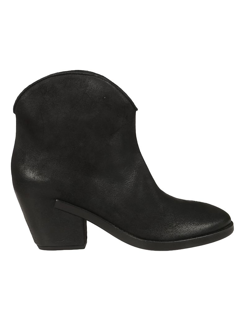 Roberto del Carlo Curved Top Ankle Boots - Black