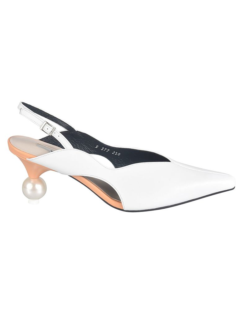 Yuul Yie Pointed Toe Ankle Strap Pumps - Bianco