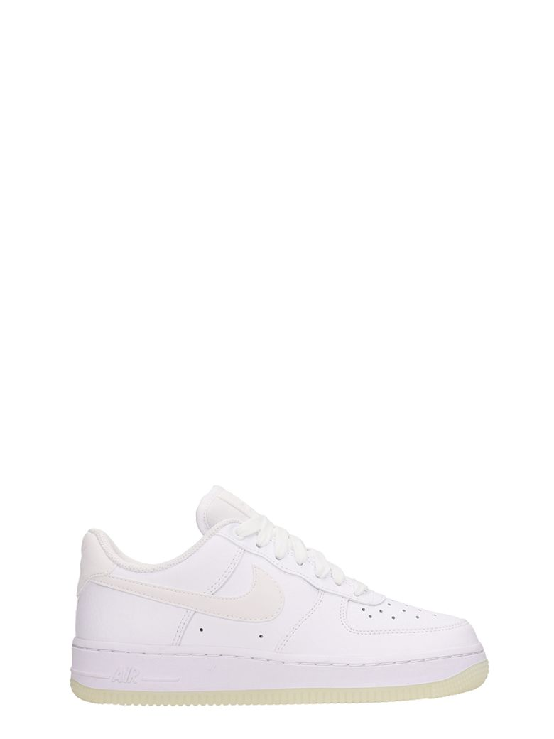 Nike Air Force 1 07 Se Sneakers - white