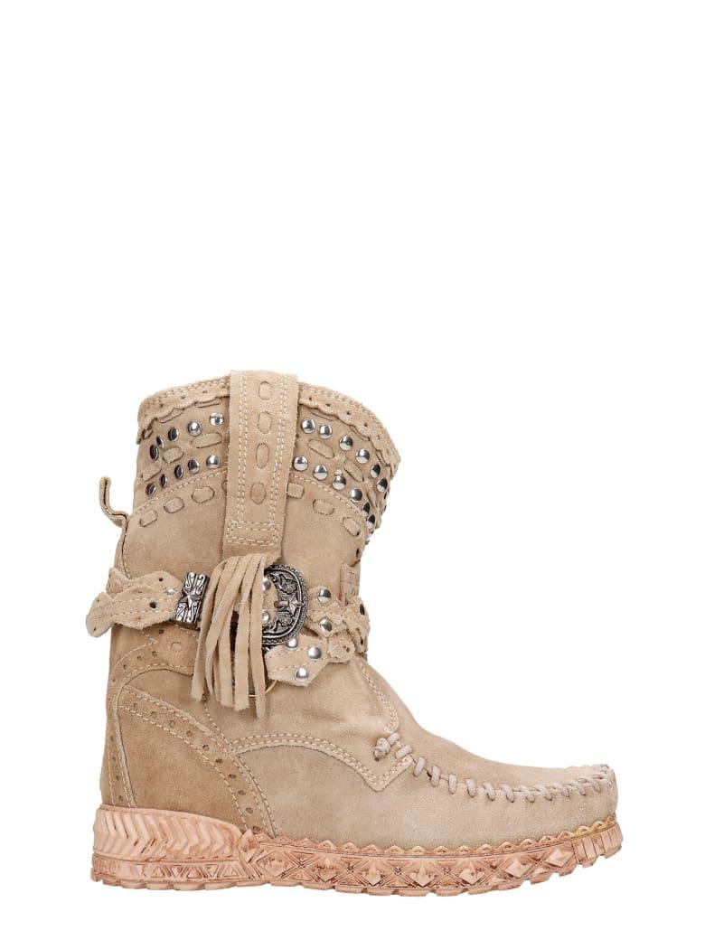 El Vaquero Yara Ankel Boots Inside Wedge In Beige Suede - beige