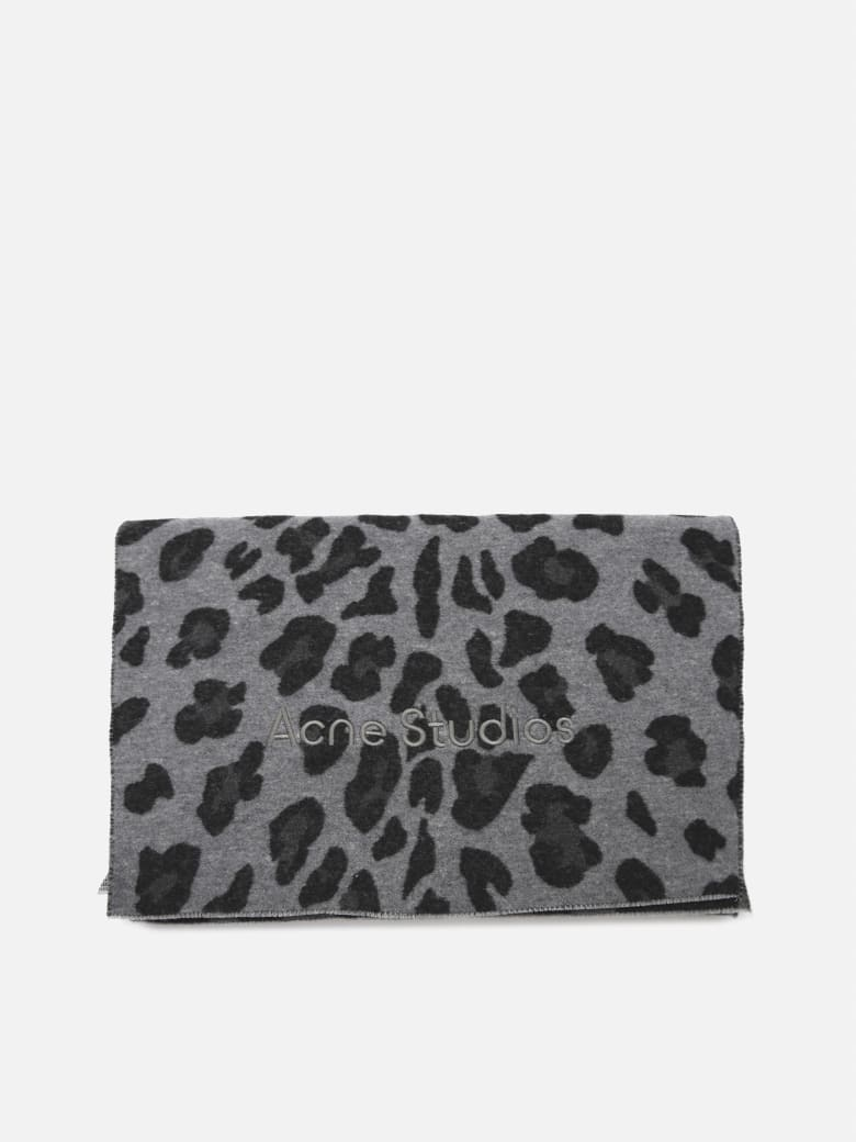Acne Studios Wool Scarf With All-over Animalier Print - Grey, black