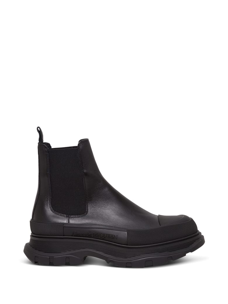 Alexander McQueen Tread Slick Chelsea Ankle Boots In Black Leather - Black