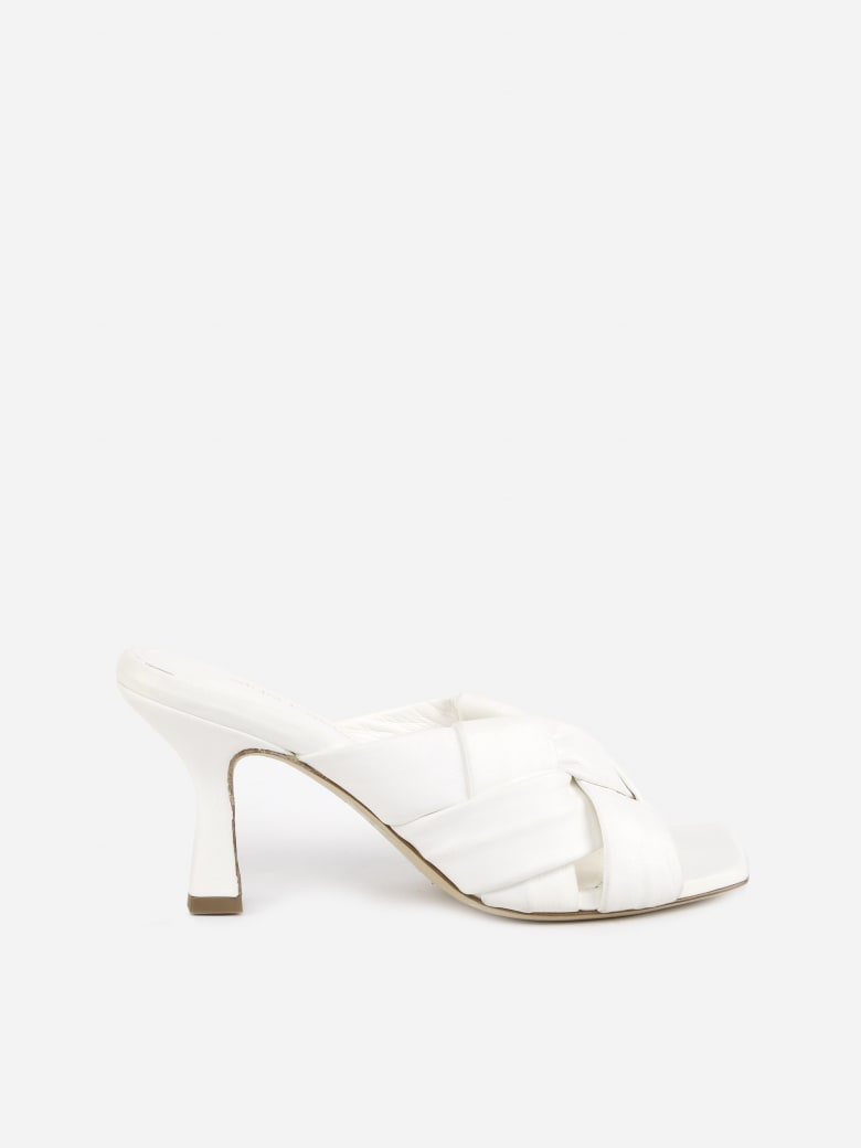 Aldo Castagna Flora Sandals In Leather With Woven Pattern - White