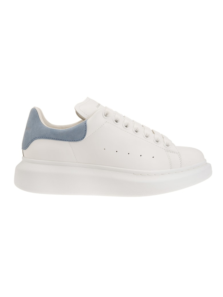 Alexander McQueen White Oversized Sneakers With Light Blue Suede Spoiler - White/dream blue