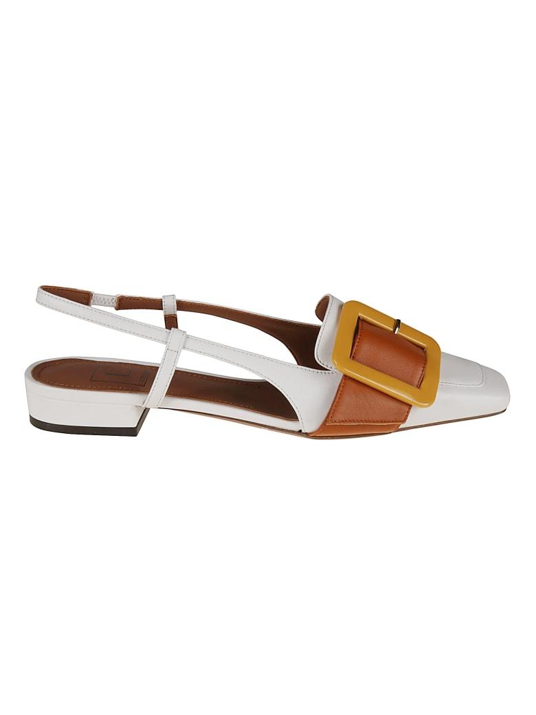 L'Autre Chose Slingback Buckle Applique Sandals - White/Rust/Ocra