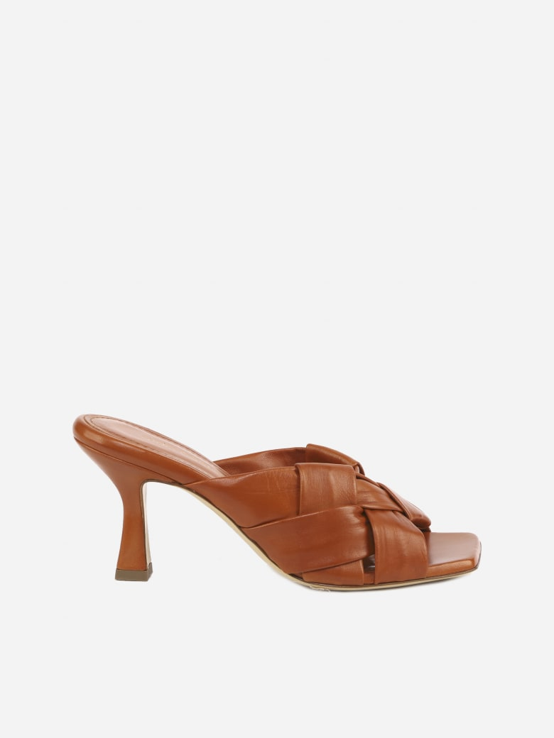 Aldo Castagna Flora Sandals In Leather With Woven Pattern - Camel
