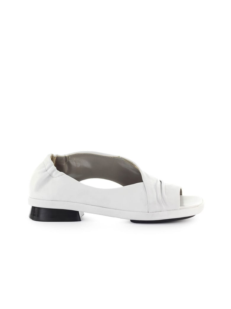IXOS Silene Chalk-colored Flat Sandal - Gesso (White)