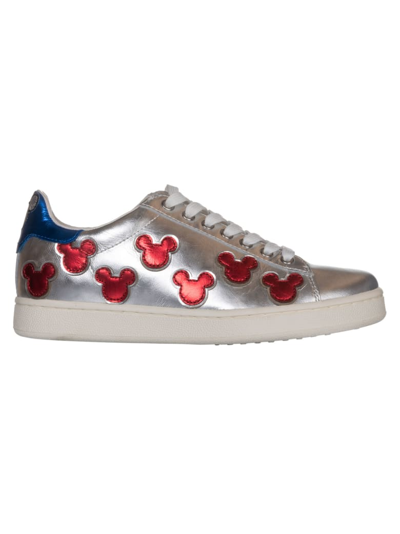 M.O.A. master of arts Embroidered Sneakers - B