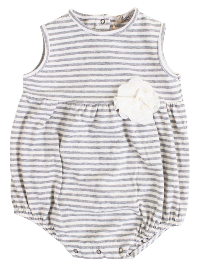 De Cavana Newborn Romper With Flower - Latte-grigio