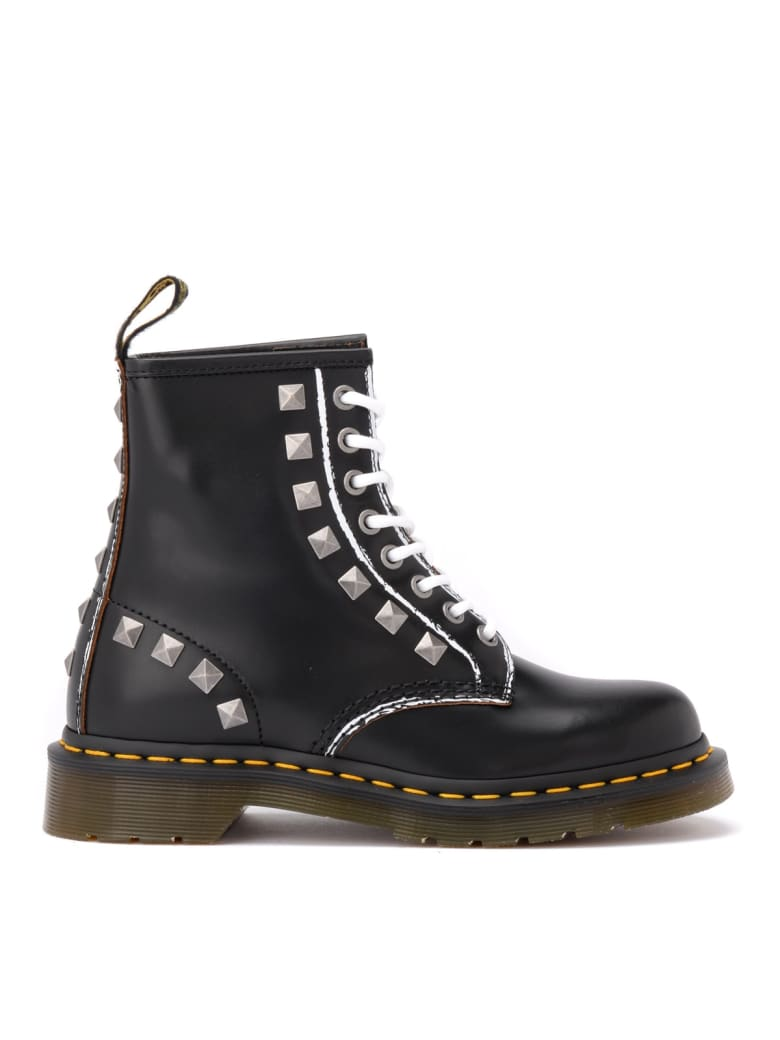 Dr. Martens Amphibious Dr. Martens Boot Model 1460 In Black Leather With Studs - NERO