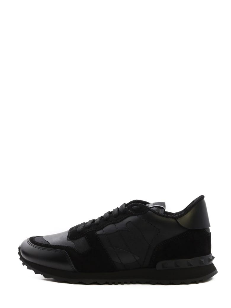 détaillant moitié prix bonne vente de chaussures Best price on the market at italist | Valentino Garavani Valentino Garavani  Sneaker Rockrunner Camouflage Noir
