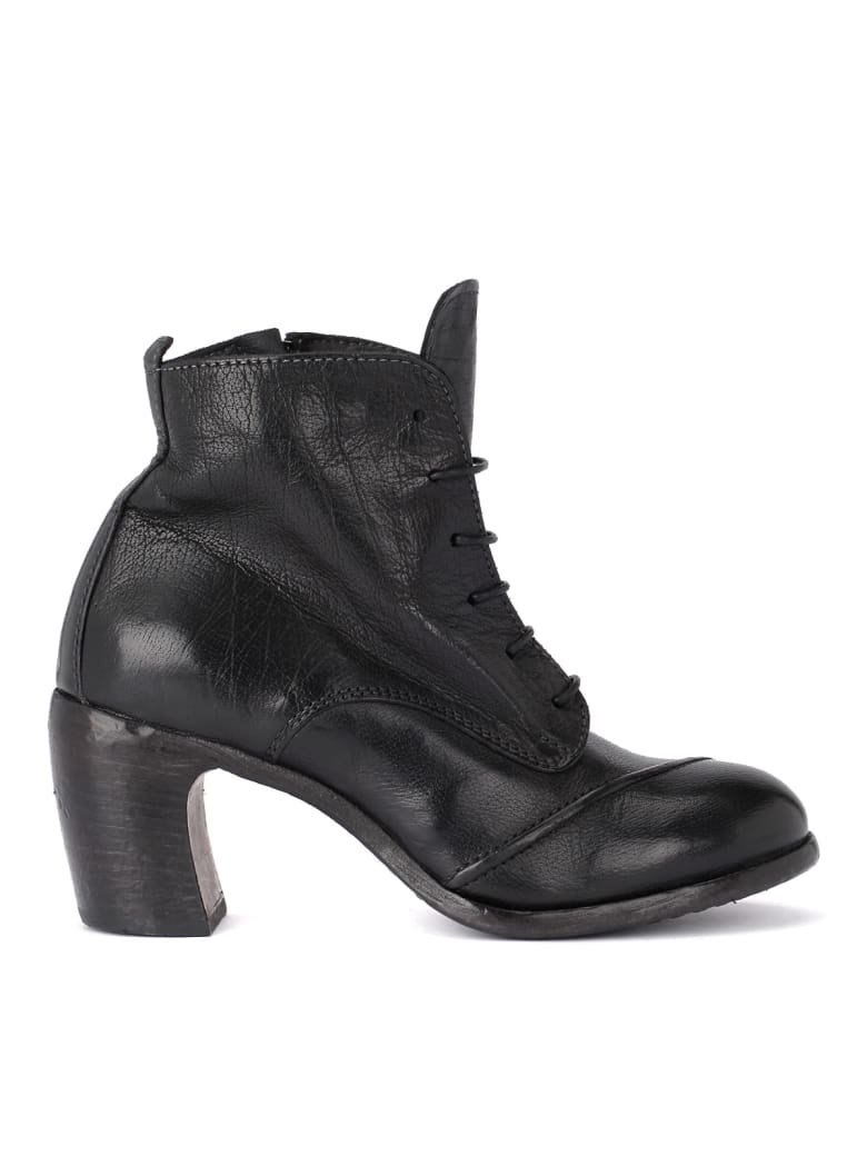 Moma Bufalo Black Leather Ankle Boots With Zip - NERO