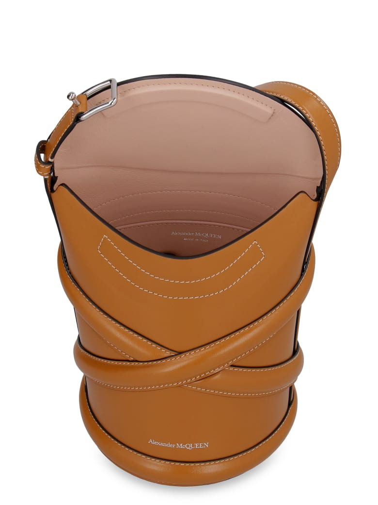 Alexander McQueen The Curve Leather Bucket Bag - Saddle Brown