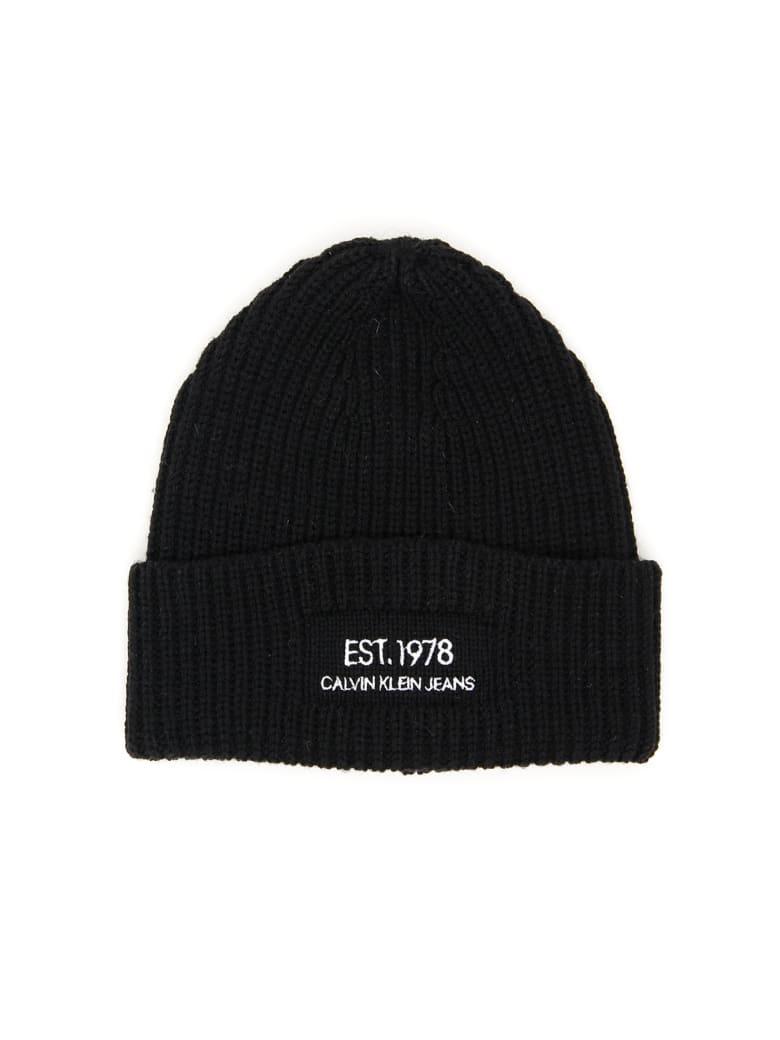 Calvin Klein Logo Knit Beanie - BLACK BEAUTY (Black)
