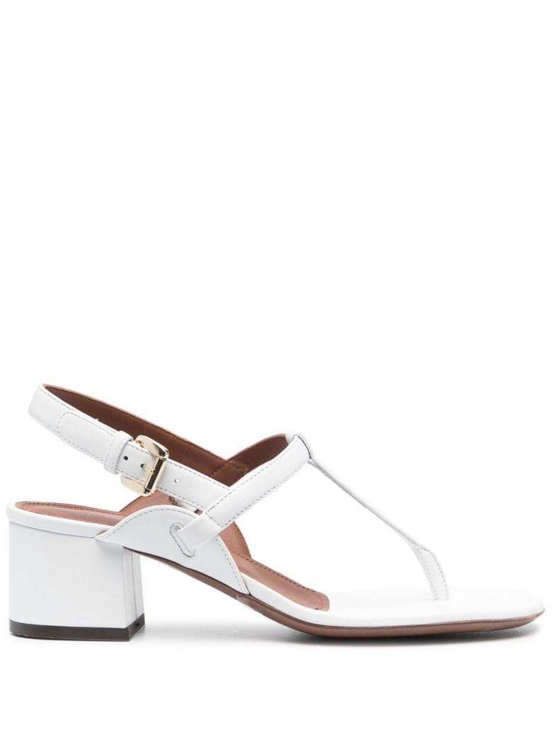 L'Autre Chose White Leather Sandals - White
