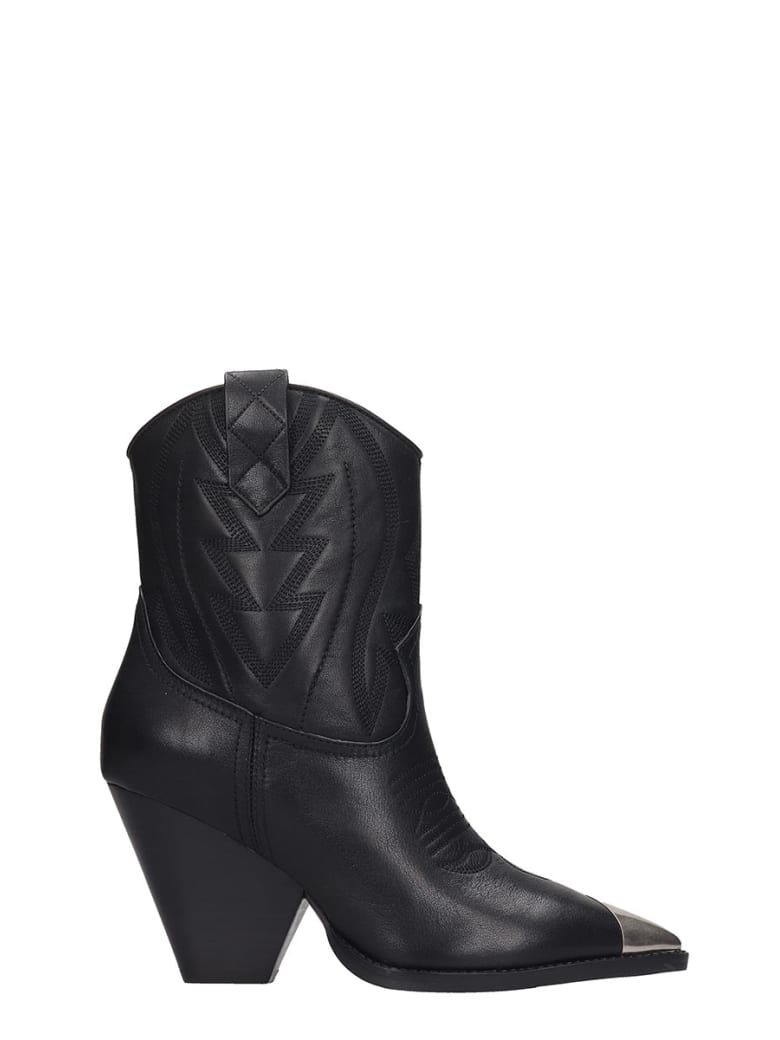 Best price on the market at italist | Lola Cruz Lola Cruz Texan Ankle Boots In Black Leather