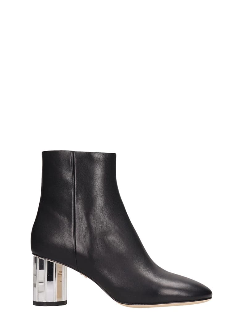 Lola Cruz Black Leather Ankle Boots - black