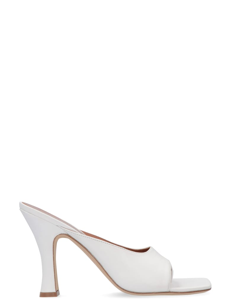 Paris Texas Leather Thong-sandals - White