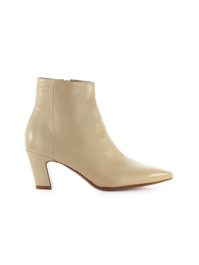 Fiori Francesi Beige Leather Ankle Boot - Beige (Beige)