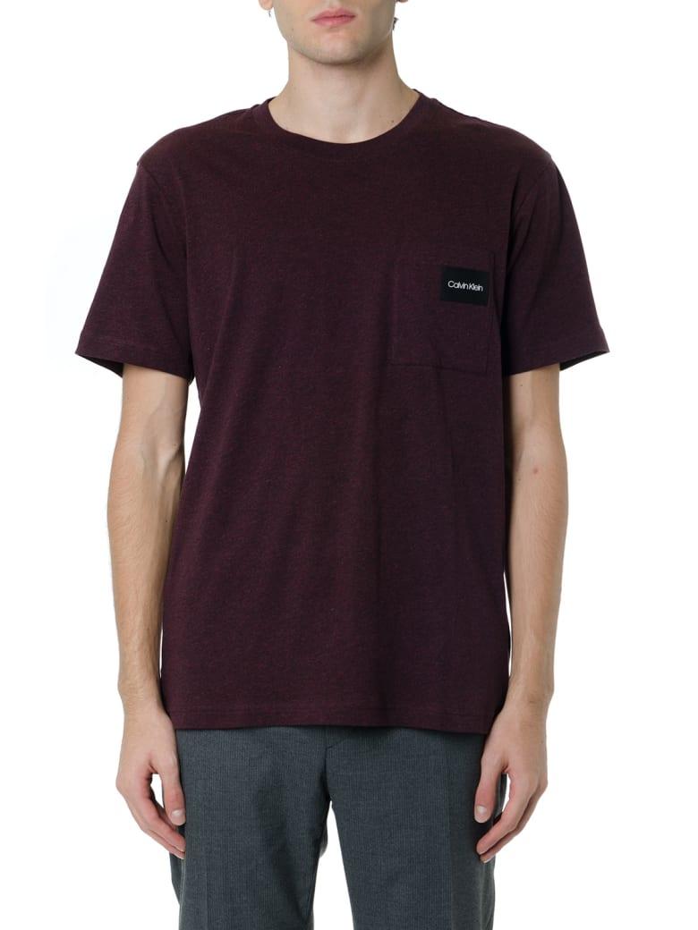 Calvin Klein Burgundy Basic T-shirt With Logo Patch - Burgundy
