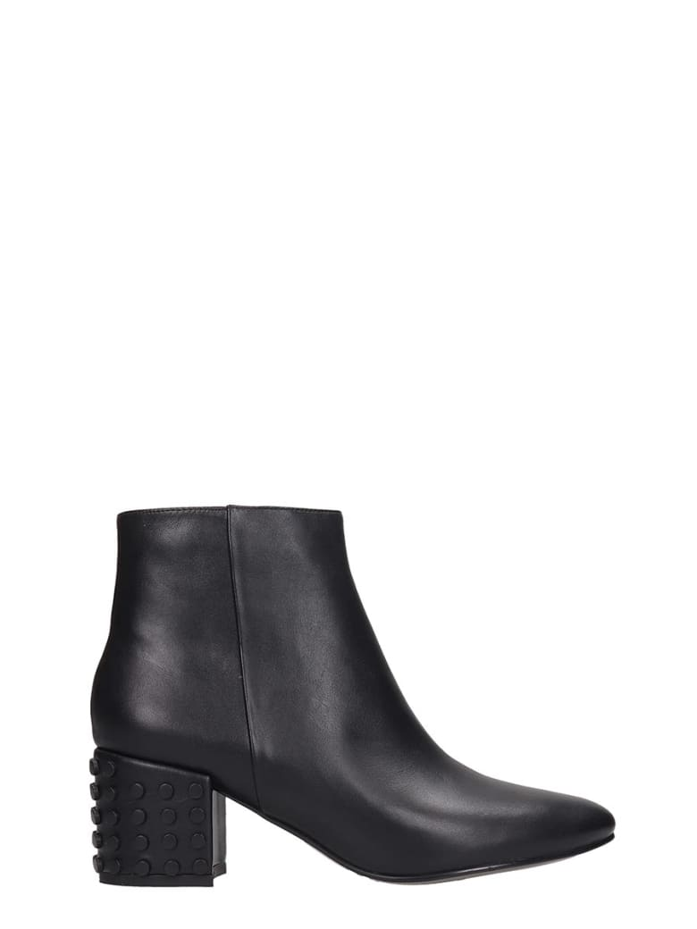 Bibi Lou Low Heels Ankle Boots In Black Leather - black