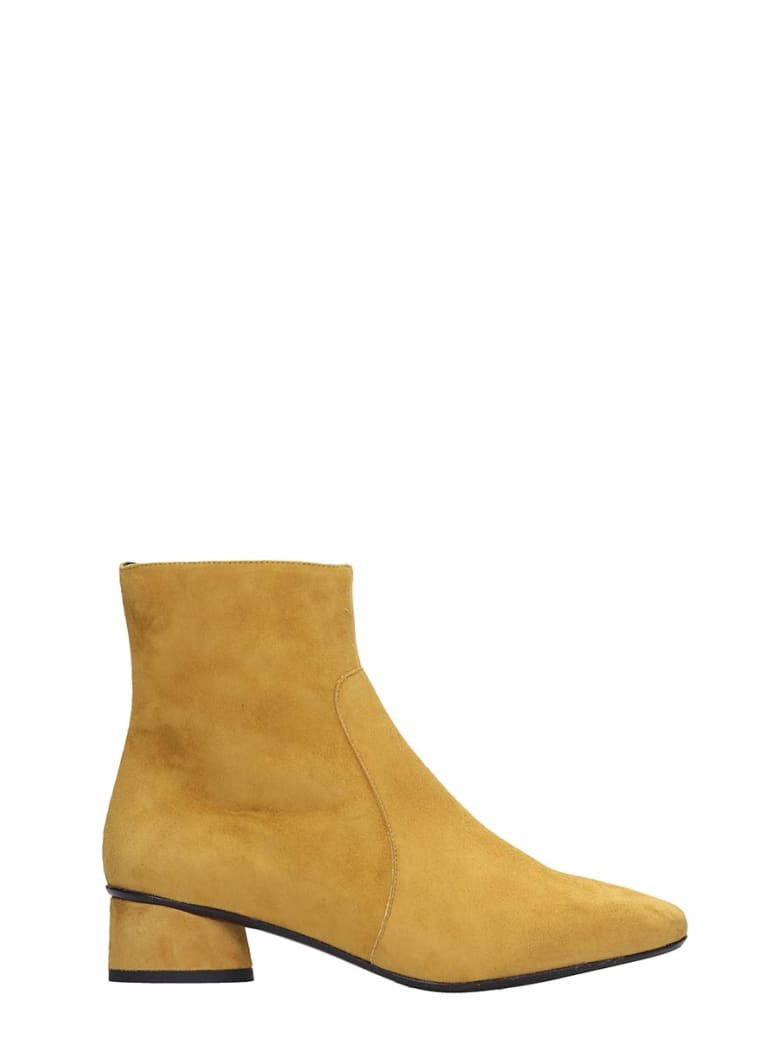 Fabio Rusconi Low Heels Ankle Boots In Yellow Suede - yellow