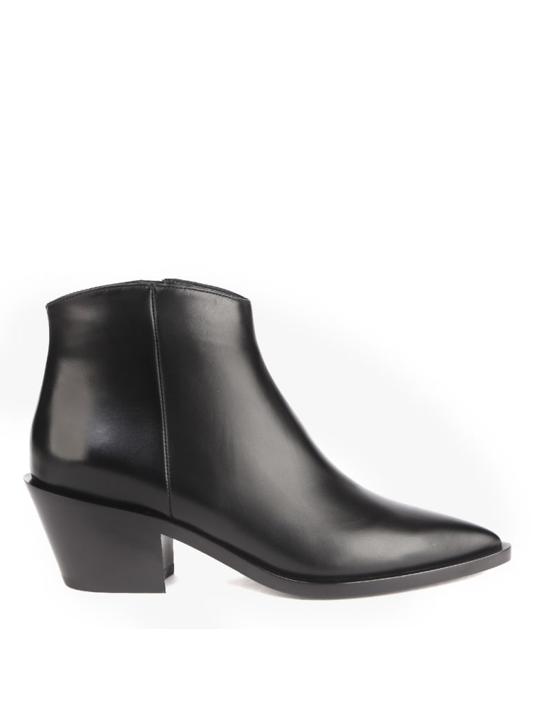 Gianvito Rossi Black Leather Ankle Boot - Black