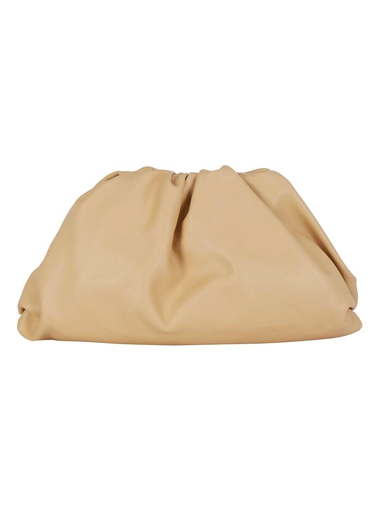Bottega Veneta The Pouch Bag - Nude -gold