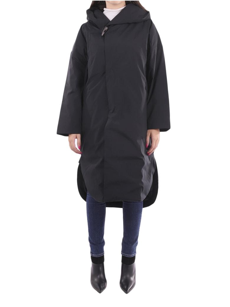 Plantation X Descente Black Coat - Black