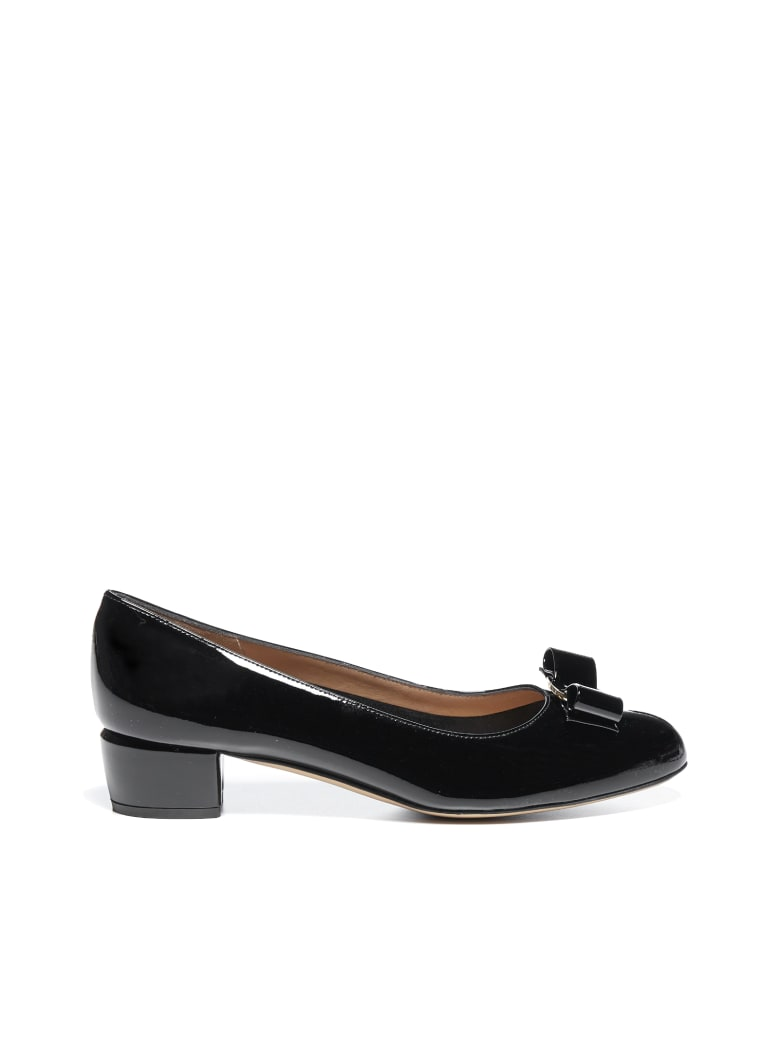Salvatore Ferragamo Flat Shoes - Nero