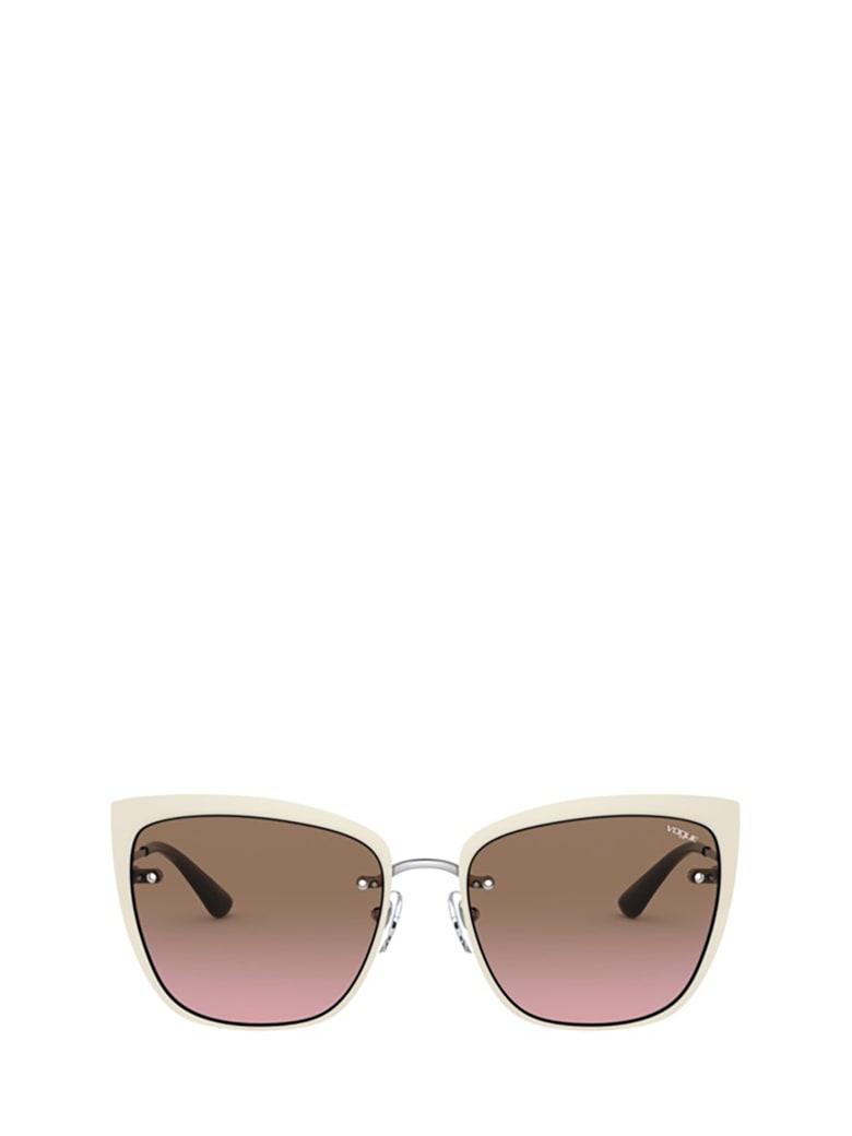 Vogue Eyewear Vogue Vo4158s 323/14 Sunglasses - 323/14