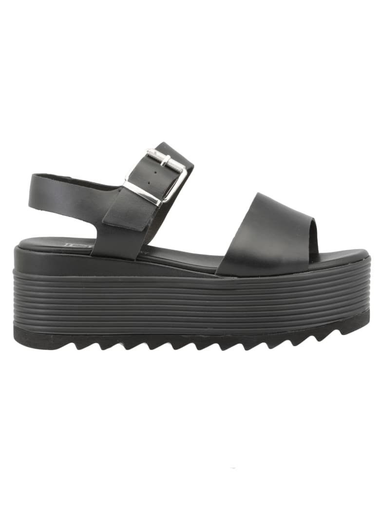Cult Queen Sandal