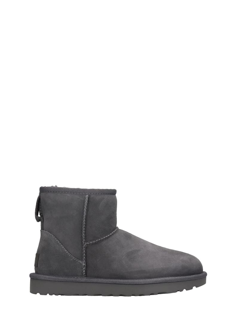 UGG Mini Classic Ii Low Heels Ankle Boots In Grey Suede - Grigio
