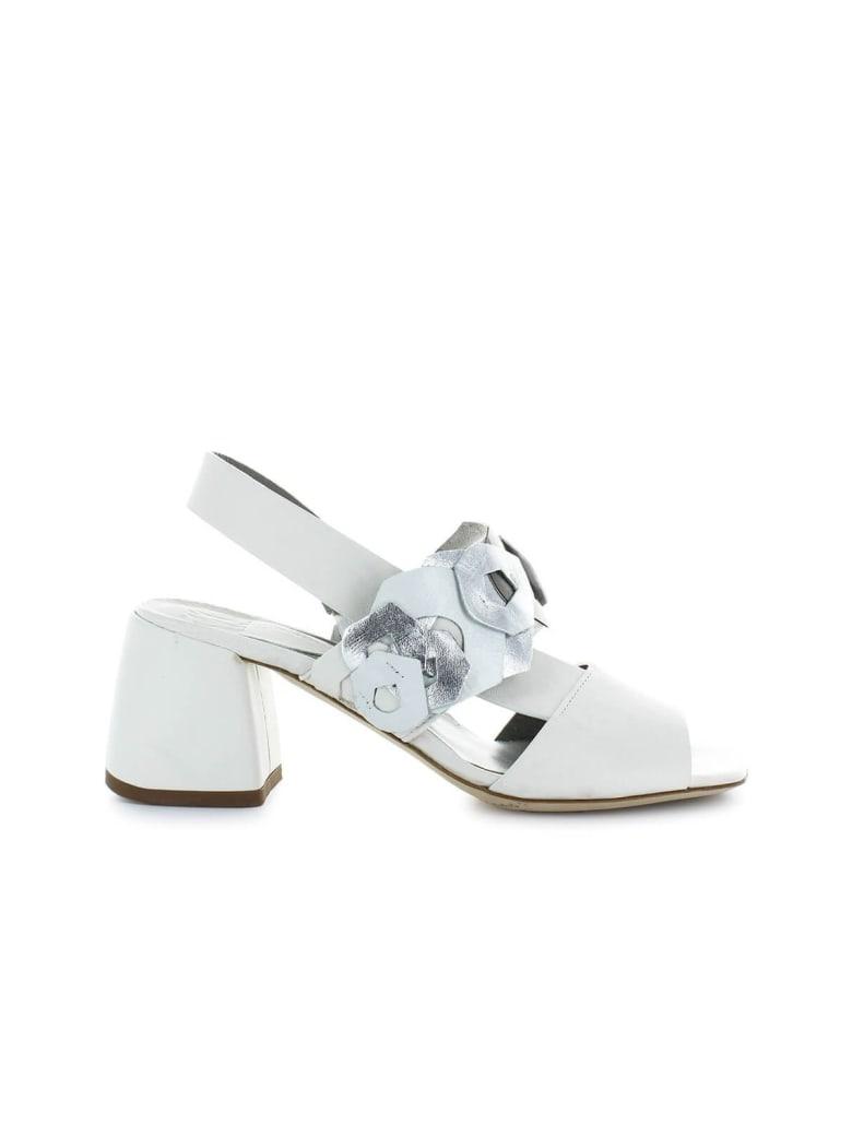 IXOS White Sandal With Decorations - Latte (White)