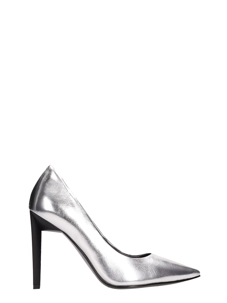 Kendall + Kylie Metal Silver Leather Pumps - silver
