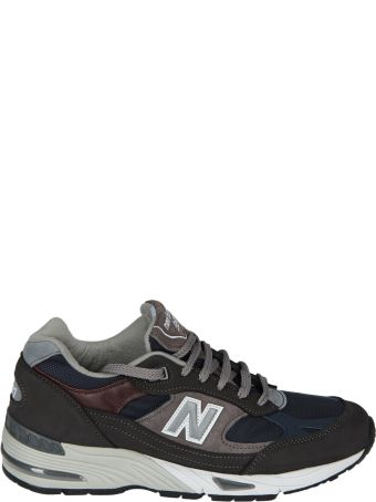 New Balance Logo Patch Sneakers