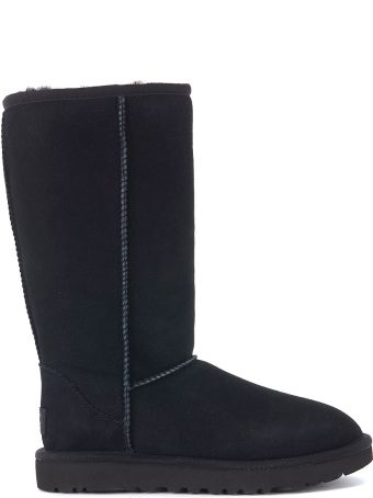 UGG Classic Ii Black Sheepskin Boots.