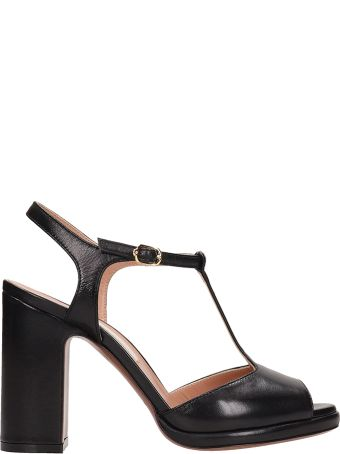 L'Autre Chose Black Leather Sandals