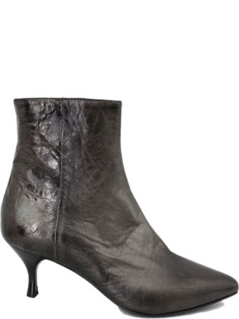 Strategia Spritz Ankle Boot In Grey Metallic Leather.