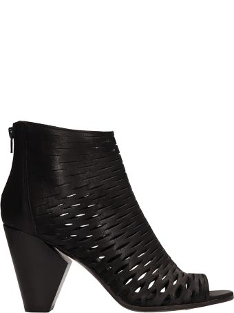 Strategia Black Leather Ankle Boot