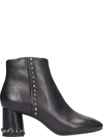 Lola Cruz Black Leather Ankle Boots