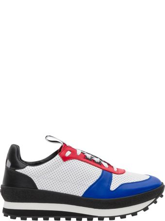 Givenchy Tr3  Laced Sneakers