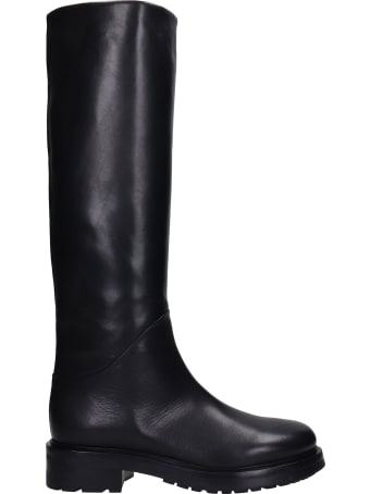 Strategia Low Heels Boots In Black Leather