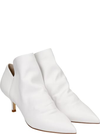 Strategia High Heels Ankle Boots In White Leather