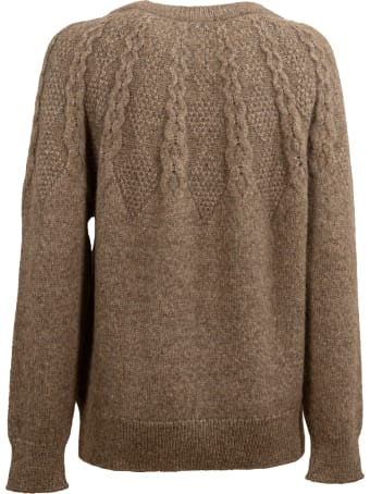 Closed knitted sweater