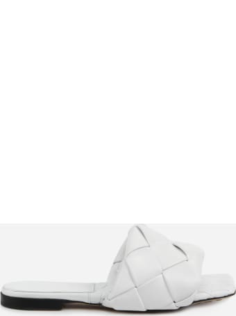 Bottega Veneta Lido Flat Sandals In Leather With Woven Pattern