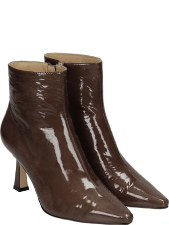 Lola Cruz High Heels Ankle Boots In Taupe Patent Leather